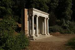 Portals of the Past (Paul Wever) Tags: sanfrancisco goldengatepark oldbuilding historicbuilding sanfranciscoearthquake portalsofthepast marblecolumns ioniancolumns buildingfragment