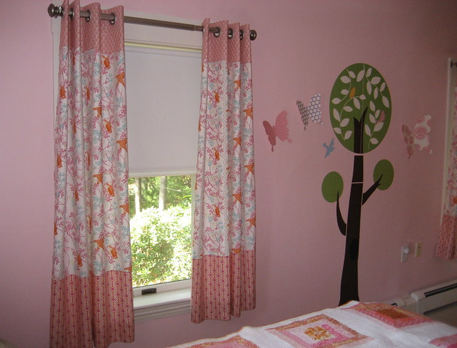 Girls Bedroom Curtains: Curtains for a girl's bedroom