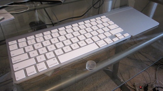 Apple Bluetooth keyboard and Magic Trackpad
