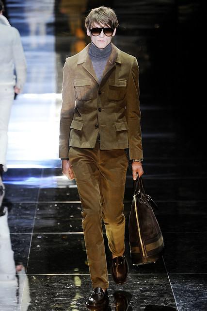 Bastiaan Ninaber3240_FW10_Milan_Gucci(VOGUEcom)