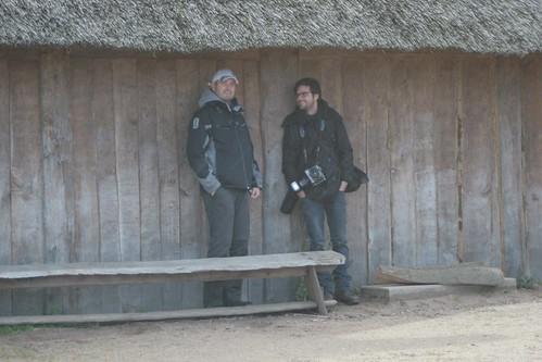 Reporter Stefan Krücken und Fotograf Jörg Brüggemann bei den Wikinger Häuser Haithabu - Museumsfreifläche Wikinger Museum Haithabu WHH 18-09-2010