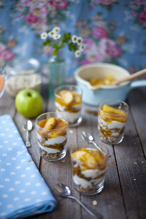:: Caramel Apple Granola Pots