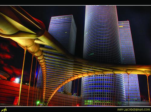 עזריאלי בלילה - צילום: מאיר יעקב