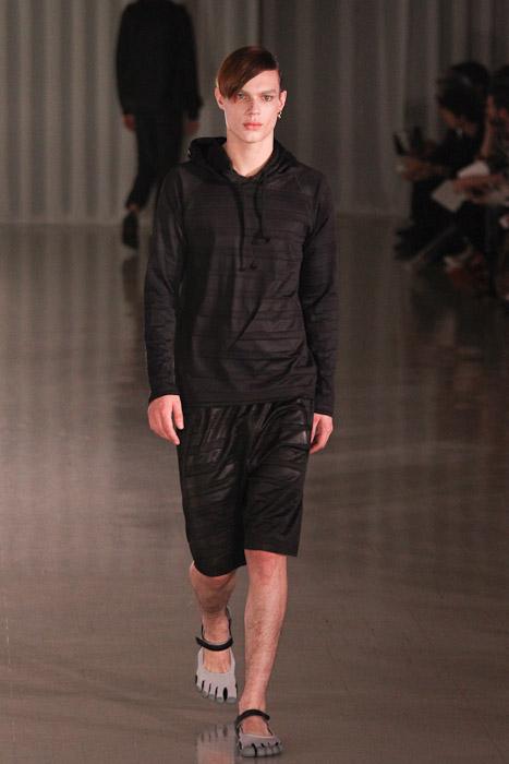 Chris Tanner3008_SS11_Tokyo_MOLFIC(Fashionsnap)