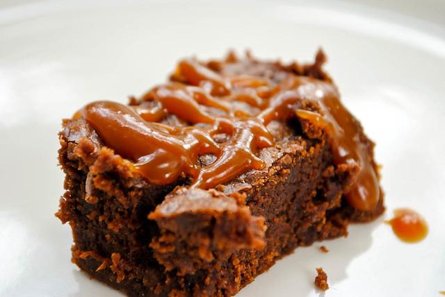 salted caramel brownie2