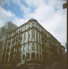 Soho, New York (vivoandando) Tags: newyork canada 120 film america us holga lomo lomography experimental kodak united soho medium format states filme expired negativo medio gpx formato lomografia vencido ektacolorpro160