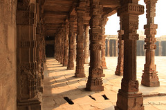 Hall of the Red Sandstone Pillars (Sayid Budhi) Tags: india pillars newdelhi qutubminar qutbminar northindia incredibleindia photographictour travelasiaphotographycom redstonecolor redstonepillars