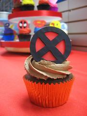 Superhero Cupcakes (Jenny Burgesse) Tags: cupcakes xmen superhero fondant geeksweets comicbookshoppeartgala2010