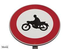 Segnaletica Moderna (Luca Morlok) Tags: canon vintage eos motorbike moto info cartello bergamo segnaletica segnale vecchio divieto paese paesino 450d