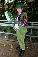 IMG_1752.jpg (Neil Keogh Photography) Tags: gloves tie dccomics theriddler shirt bowlerhat pants tv jacket questionmark videogames film male boots purple batman suit manchestersummerminicon cosplay cosplayer black green glasses comics walkingcane white