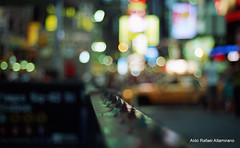 Times Square lights (Rafakoy) Tags: show street city nyc newyorkcity light people ny newyork max color colour film colors car night 35mm fence dark subway 50mm gold lights photo nikon focus colours theatre kodak bokeh manhattan cab taxi broadway f100 nikonf100 negative timessquare late nikkor 800 nite c41 realphotography nikkoraf50mmf18d epsonv600 epsonperfectionv600photo epsonperfectionv600 kodakgoldmax800 aldorafaelaltamirano rafaelaltamirano aldoraltamirano