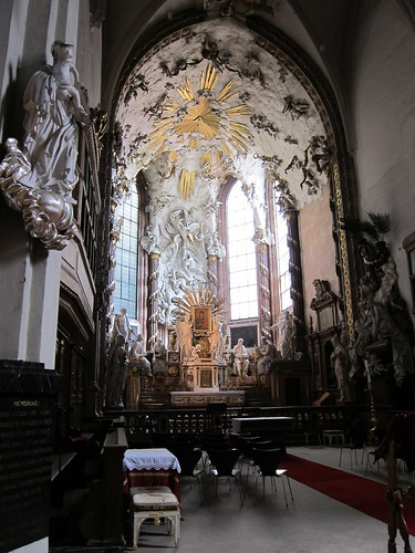 The altar at Michaelerkirche