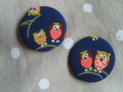 Owls (Lilies and Daisies) Tags: magnets badges compactmirrors