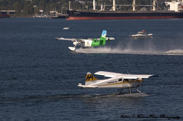 07-30-2010_seaplanes_coalharbour_wm