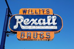 Rexall Drugs (Vintage Roadtrip) Tags: sign neon willits rexall rexalldrugs willitsca