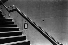 escalier (sdzn) Tags: street leica lausanne m6 fujineopan ilfordid11 film:brand=fuji film:iso=800 sdzn developer:brand=ilford film:name=fujineopan400 developer:name=ilfordid11 filmdev:recipe=5992
