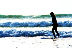 (Tami Best) Tags: sea summer beach sand cornwall waves surfer newquay teenager bodyboarding watergate tamibest