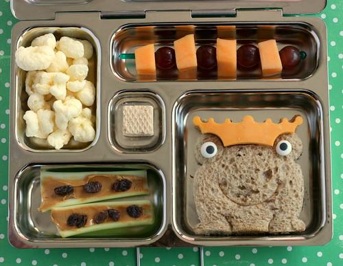PlanetBox froggie sandwich