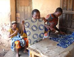Bnin (S198) Tags: africa iron  flat textile wax vtements fer steward afrique cotonou bnin repasser dahomey snamie