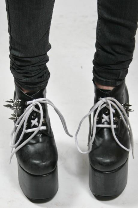 charles anastase dungeon boot DIY 9d