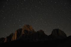 Stelle su Sassolungo e Sassopiatto (mfortini) Tags: stars notte dolomites dolomiti stelle sassopiatto camminata forcellasassolungo