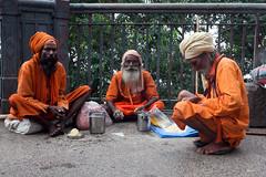 Sadhus (hubertguyon) Tags: bridge orange india religion western pont bengal calcutta sadhu inde plerins bengaleoccidental earthasia plerins sannasyn