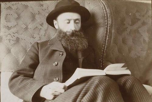 Édouard Vuillard viajando por España en tren en el invierno de 1901. Fotografía del príncipe de Rumanía Emmanuel Bibesco. Museo D´Orsay.