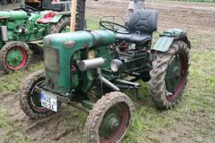 Holder (sonjasfotos) Tags: traktor bulldog renault oldtimer holder unimog lanz mog trecker hanomag niederrhein schlepper deutz fendt eicher hela brggen schlter treckertreffen u2010 u411 u403 u423
