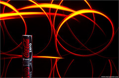 Light painting I - Coca Cola zero (pascalbovet.com) Tags: lighting lightpainting coke cocacola product cokezero zero strobist
