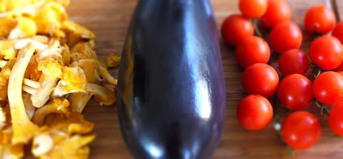 Eierschwämmli, Aubergine & Tomaten