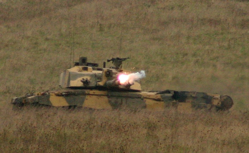 Challenger 2 Salisbury Plain Training Area 13 Oct 2005