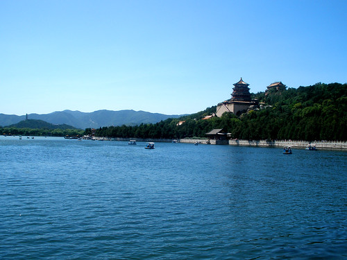 The Tower of Buddhist Incense & Kunming Lake @ Summer Palace