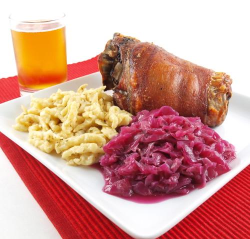 Schweinshaxe, Spätzle und Rotkohl