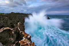 Tireless Sea (tropicaLiving - Jessy Eykendorp) Tags: bali seascape nature canon indonesia landscape canonefs1022mmf3545usm canon50d