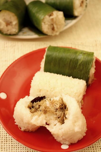 Lemper Ayam (Chicken Sticky Rice Cake)