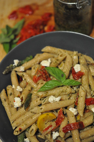 Pesto Goat Cheesy Pasta