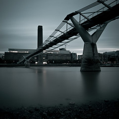 bad mood (loggekopp) Tags: longexposure bridge london thames modern canon river eos tate millennium efs 1022mm 500d leefilters bigstopper