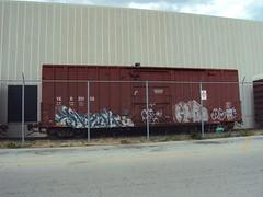 YKR (+PR+) Tags: railroad streetart chicago graffiti trains spraypaint railfan freight boxcars railcars mfk rollingstock rxr hufu benching bozak xaust