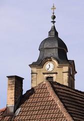 (Gerlinde Hofmann) Tags: roof chimney clock church germany town cross kirche thuringia clocktower spire dach schornstein dachziegel zeit uhr rooftile blitzableiter schiefer lightningconductor christuskirche 1135 wetterfahne hildburghausen slateshingle dachschindel slateshingled schiefergedeckt