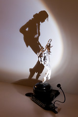 Diet Wiegman - Shadow Dancing, 2008 (de_buurman) Tags: shadow art kunst exhibition projection michaeljackson nikkor schaduw amersfoort tentoonstelling projectie shadowdance shadowdancing 18200mmf3556gvr allrightsreserved nikond300 debuurman edjansen dietwiegman kunsthalkade
