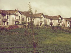 Houses in Kaesong, North Korea (Daniel Kliza) Tags: kim north korea il kimjongil dmz northkorea jong comunism pyongyang sung dprk kimilsung demilitarizedzone phenian kimirsen penmunjon