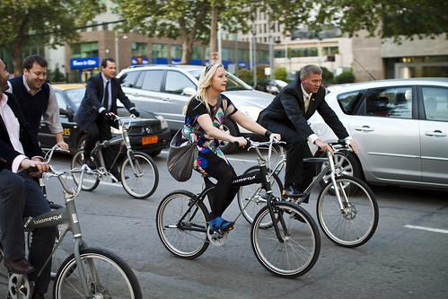 Cicletada con la gente de la embajada de Dinamarca en bicis Biomega