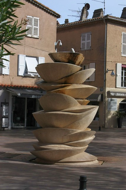 Fountain in St-Tropez by Sokleine