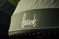 Harrods (Photoblog.ie (Patrick Dinneen)) Tags: green london sign store famous harrods knightsbridge departmentstore kensington luxury department bromptonroad alfayed mohamedalfayed