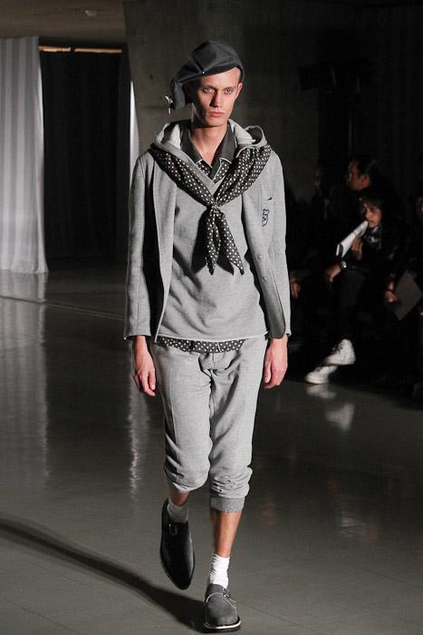 Nicolai Haugaard3072_SS11_Tokyo_DISCOVERED(Fashionsnap)