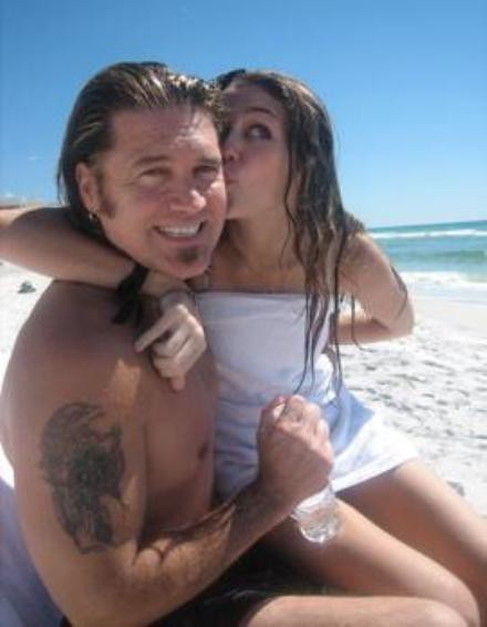 miley-billray-beach