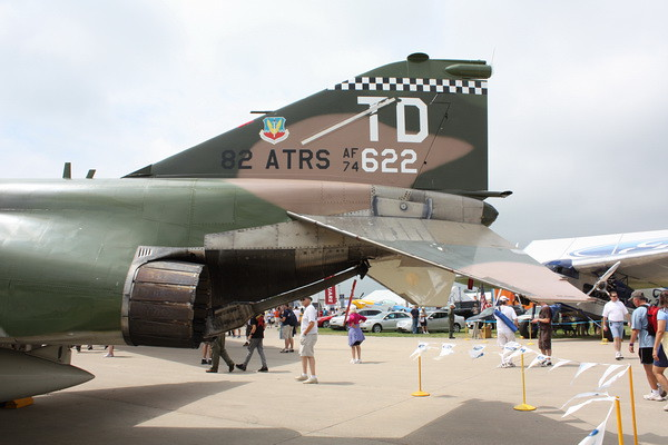EAA10_F-4E_35