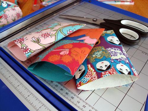 paper-mini-bags-inside