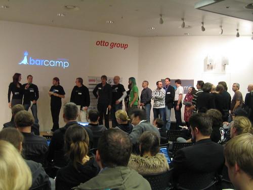 Teilnehmer stellen ihre Sessions vor