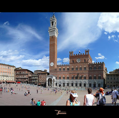 Italia 2010: Siena, piazza del campo (juvani photo | digital art) Tags: voyage travel italien original vacation italy panorama holiday beautiful composition poster lumix vakantie italian italia stitch artistic sienna reis panasonic canvas explore tuscany romantic mooi siena kalender toscana toscane viaggio impression italie vacanza paesaggio umbria authentic reise italiano piazzadelcampo 意大利 fz50 mediterranian sfeer authentiek イタリア bellaitalia impressie umbrien sfeerbeeld ontdek италия indruk इटली إيطاليا ilbelpaese bellitalia theunforgettablepictures ιταλία італія ウンブリア州 juvani juvaniphoto impressionidaitalia wwwjuvaniphotonl 500pxcomjuvani